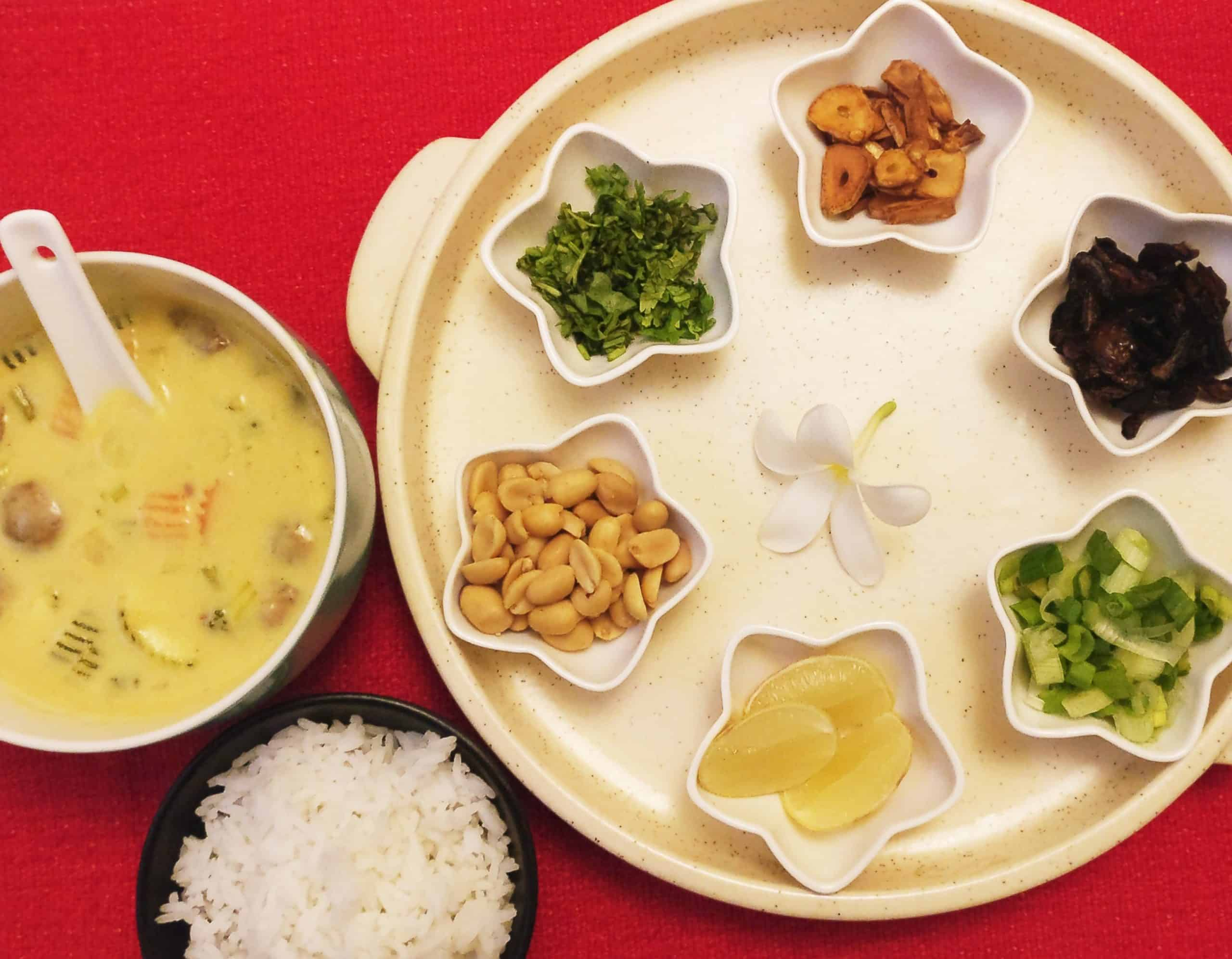 How To Serve And Eat Khow Suey 1