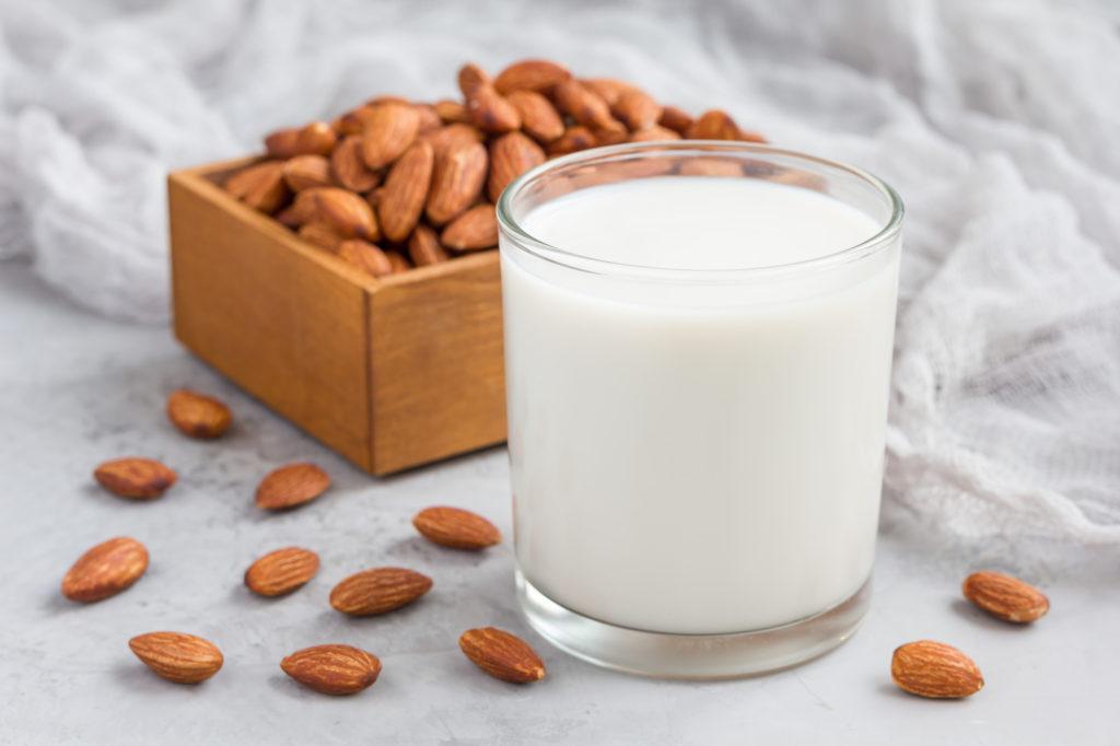Health Benefits Of Drinking Almond Milk